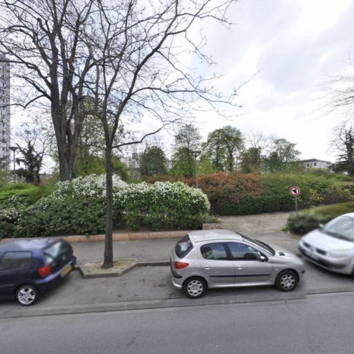 Aire De Jeux Du Parc Des Hannetons - Parc et zone de jeu - Maisons-Alfort