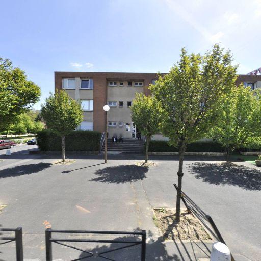 Foncia - Agence immobilière - Évry