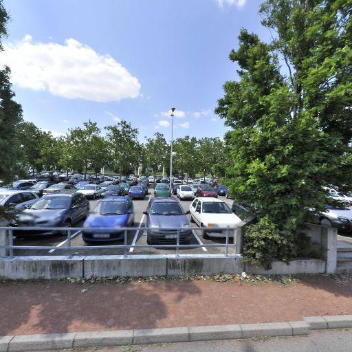 Parking Parc Relais TCL Parilly - Parking - Vénissieux