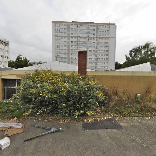 Caisse Primaire D'Assurance Maladie De Loireatlantique Accueil De Nantes La Boissière CPAM - Sécurité sociale - Nantes