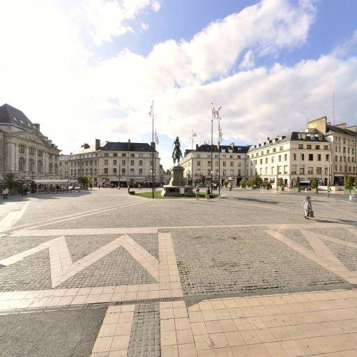 Place du Martroi - Attraction touristique - Orléans