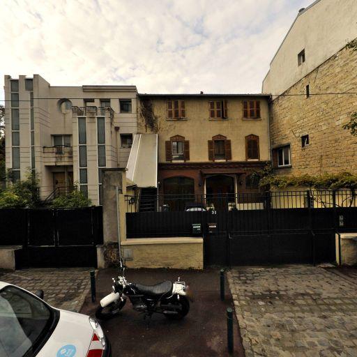 Huchaima Walid - Hôtel - Suresnes