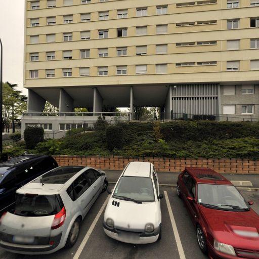 Ast Transport - Location d'automobiles avec chauffeur - Bagneux