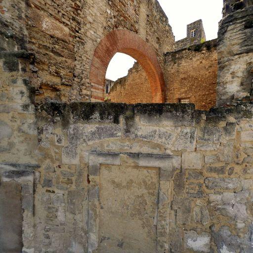 Thermes de Constantin - Attraction touristique - Arles