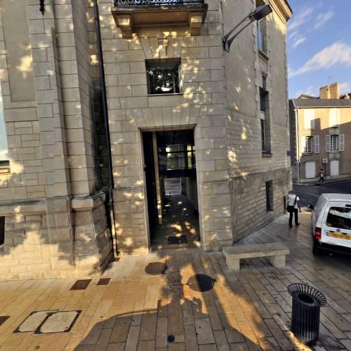 Centre Régional Information Jeunesse Poitou Charentes - Association culturelle - Poitiers