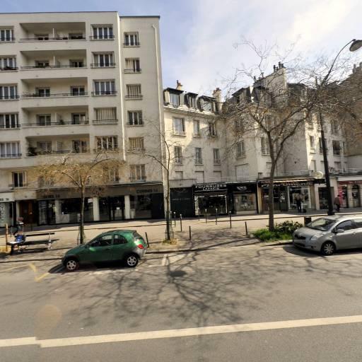 Lasakis Konstadinos - Fourrures - Paris