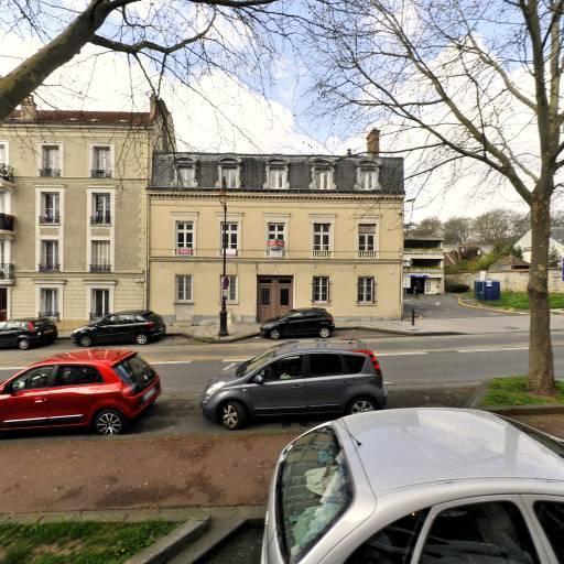 Victor Hugo - Parking public - Melun