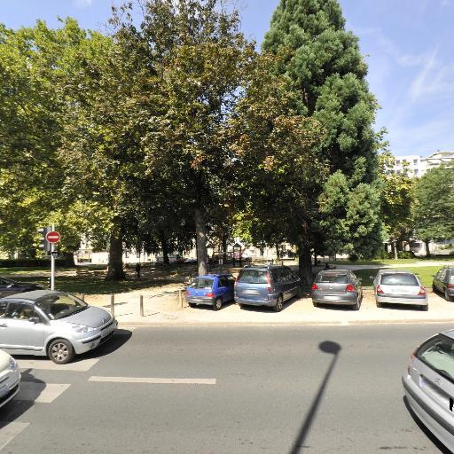 Parc Boulevard Rocheplatte - Parc et zone de jeu - Orléans