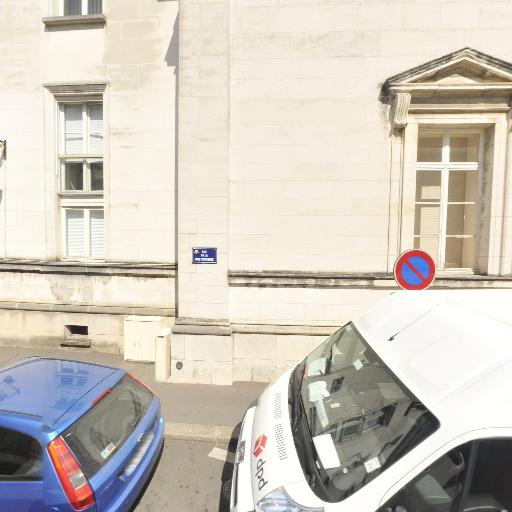 Palais de justice - Attraction touristique - Orléans