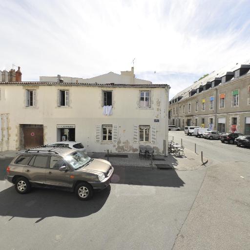 Crédit Agricole Charente-Maritime Deux-Sèvres - Banque - La Rochelle