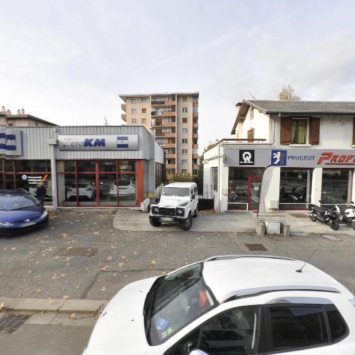 Profils Motos - Vente et réparation de motos et scooters - Annecy