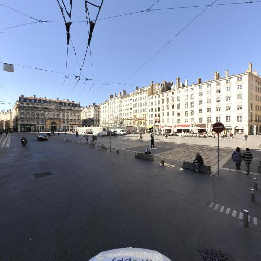 FL Rénovations - Pose, entretien et vitrification de parquets - Lyon