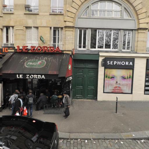 Séphora - Magasin de cosmétiques - Paris