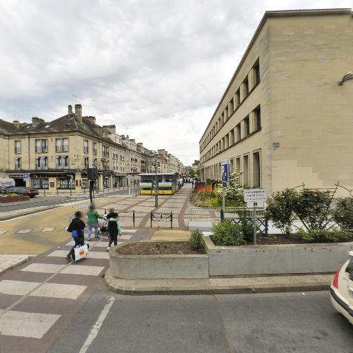 Huit à Huit - Station-service - Beauvais