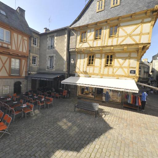 Place Henri IV - Attraction touristique - Vannes