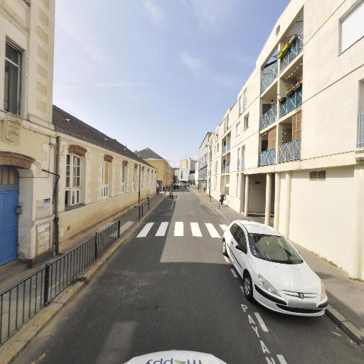 Square Du Lait De Mai - Parc et zone de jeu - Nantes