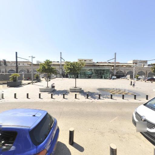 Parking Q-Park Gare Feuchères - Parking public - Nîmes