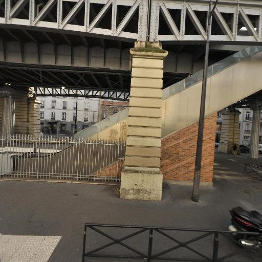 Square Sevre Lecourbe - Parc et zone de jeu - Paris