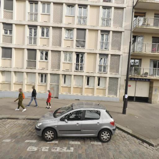 P-f-a . - Concessionnaire automobile - Paris