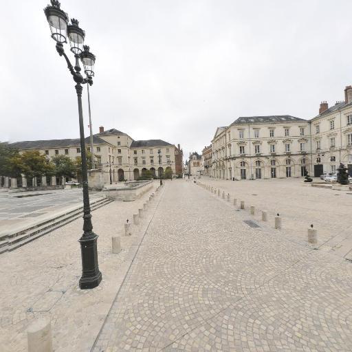 Le Petit Train Touristique - Parc d'attractions et de loisirs - Orléans